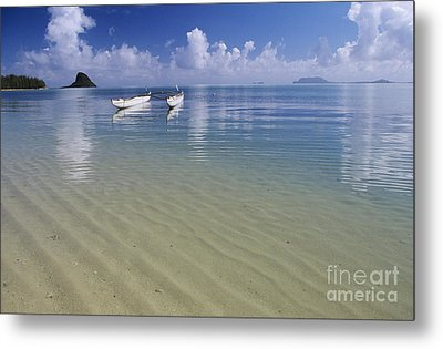 White Double Hull Canoe Metal Print by Joss - Printscapes