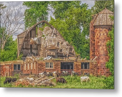 Barn Metal Print by Dan Traun