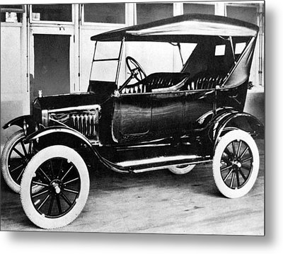 1923 Model T Ford Metal Print by Everett