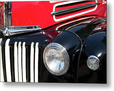 Metal Print featuring the photograph 1947 Vintage Ford Pickup Truck by Theresa Tahara
