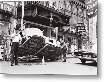 Metal Print featuring the photograph 1965 Removing Rko Theater Sign Boston by Historic Image