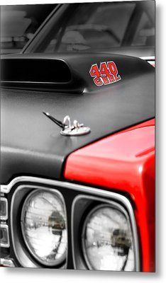 1969 Plymouth Road Runner 440 6bbl Metal Print