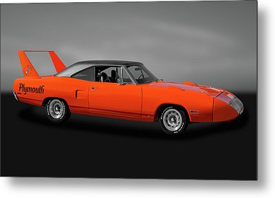 Metal Print featuring the photograph 1970 Plymouth Road Runner Superbird  -  1970plysuperbirdgry170528 by Frank J Benz