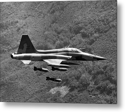 Bombing Vietnam Metal Print by Underwood Archives