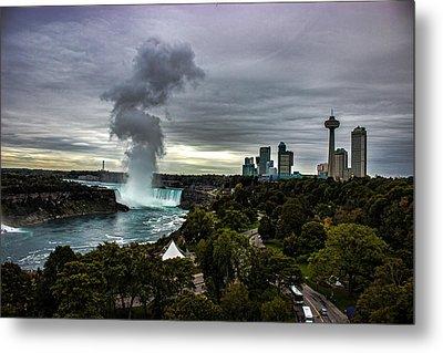 Niagara Falls Metal Print by Martin Newman