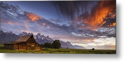 Mountain Barn In The Tetons Metal Print by Andrew Soundarajan
