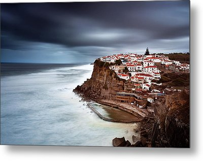 Metal Print featuring the photograph Upcoming Storm by Jorge Maia