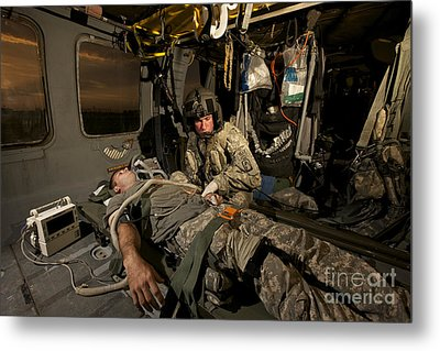 U.s. Army Specialist Practices Giving Metal Print by Terry Moore