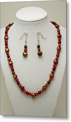 3536 Freshwater Pearl Necklace And Earring Set Metal Print by Teresa Mucha
