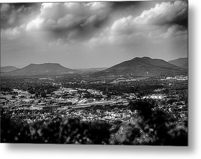 Roanoke City As Seen From Mill Mountain Star At Dusk In Virginia Metal Print