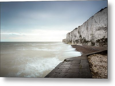 White Cliffs Of Dover Metal Print by Ian Hufton