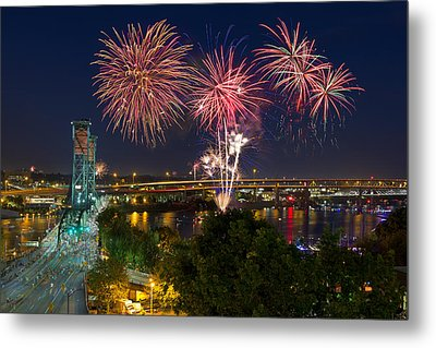 4th Of July Fireworks Metal Print by David Gn