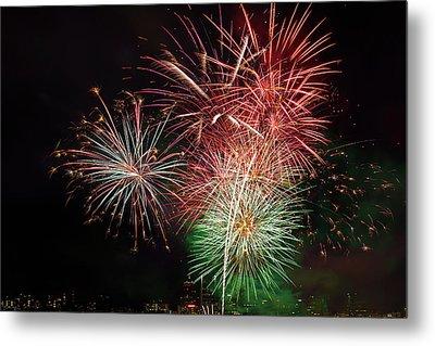 4th Of July Fireworks Display Portland Oregon Metal Print by David Gn