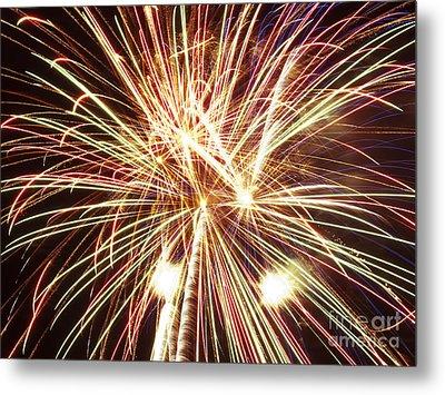 4th Of July Fireworks Metal Print by Joe Carini - Printscapes