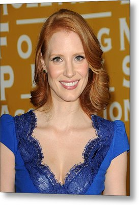 Jessica Chastain At Arrivals Metal Print by Everett