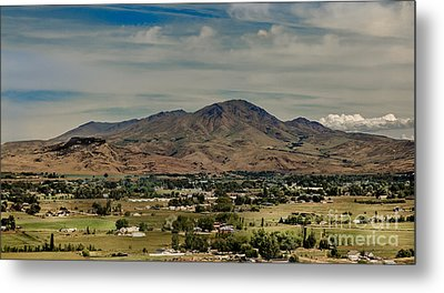 The Butte Metal Print by Robert Bales