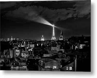 Metal Print featuring the photograph Paris by Hayato Matsumoto