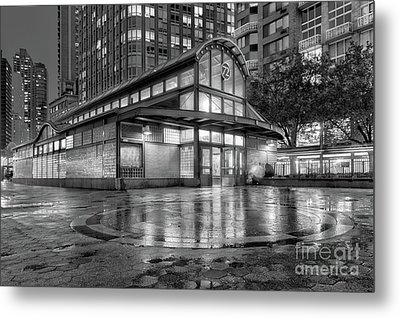 72nd Street Subway Station Bw Metal Print