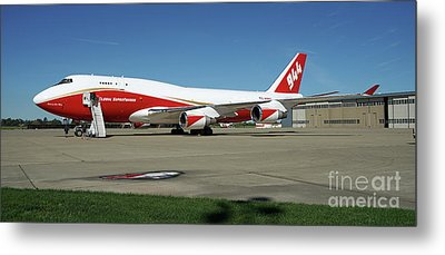 747 Supertanker Metal Print by Bill Gabbert