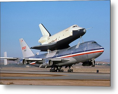 747 Takes Off With Space Shuttle Enterprise For Alt-4 Metal Print by Brian Lockett