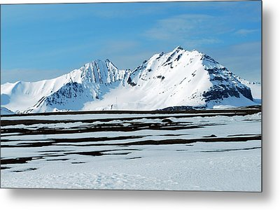 79 Degrees North B Metal Print by Terence Davis