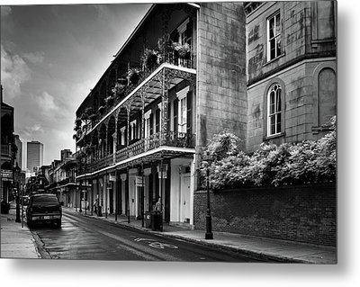910 Royal Street In Black And White Metal Print by Greg and Chrystal Mimbs
