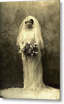 A Beautiful Vintage Photo Of Coloured Colored Lady In Her Wedding Dress Metal Print