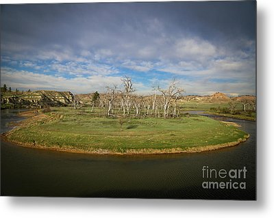 A Bend In The River Metal Print by Shevin Childers