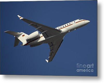 A Bombardier Global 5000 Vip Jet Metal Print by Timm Ziegenthaler