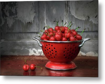 A Bowl Of Cherries Metal Print by Lori Deiter