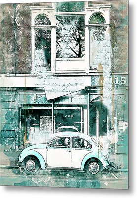 A Bug About Town Metal Print