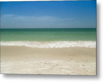 A Calm Wave Metal Print by Christopher L Thomley