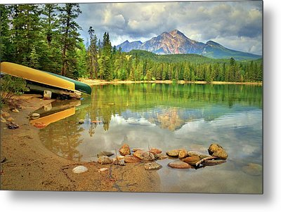 Metal Print featuring the photograph A Gentle Light At Lake Annette by Tara Turner