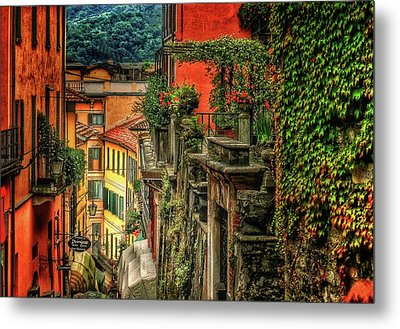 A Glimpse Of Bellagio Metal Print by Connie Handscomb