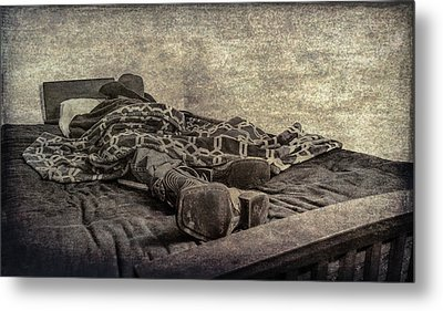 Metal Print featuring the photograph A Long Day On The Trail by Annette Hugen