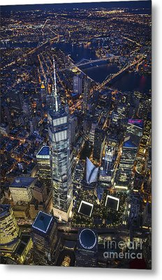A Night In New York City Metal Print by Roman Kurywczak