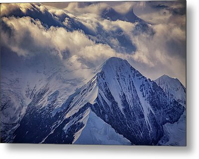A Peak In The Clouds Metal Print by Rick Berk