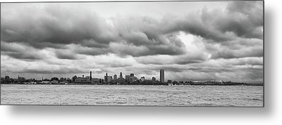 A Rotten Day In Buffalo  9230 Metal Print by Guy Whiteley