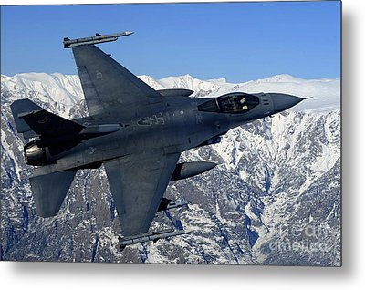 A U.s. Air Force F-16 Fighting Falcon Metal Print by Stocktrek Images