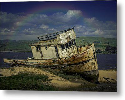Abandonded Old Boat Metal Print by Garry Gay