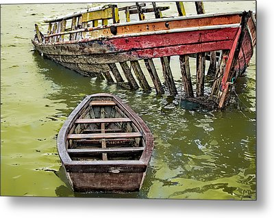 Metal Print featuring the photograph Abandoned Boat by Kim Wilson