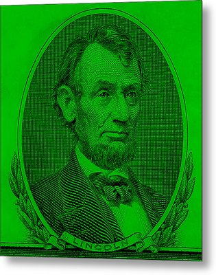 Metal Print featuring the photograph Abe On The 5 Green by Rob Hans
