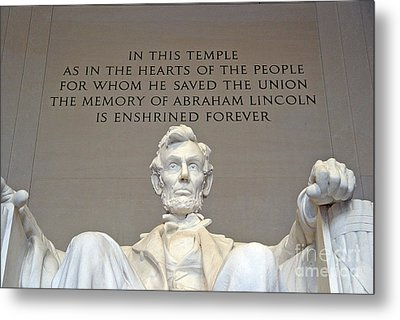 Abraham Lincoln Statue - 2 Metal Print by Tom Doud