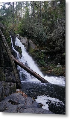 Abrams Falls Metal Print by Laurie Perry