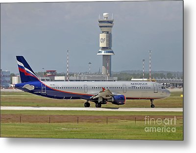 Aeroflot - Russian Airlines Airbus A321-211 - Vq-bei Metal Print by Amos Dor
