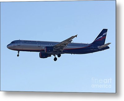 Aeroflot - Russian Airlines Airbus A321-211 - Vq-bhk Metal Print by Amos Dor