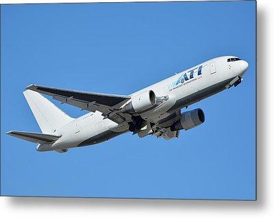 Air Transport International Boeing 767-232 N763cx Phoenix Sky Harbor January 19 2016  Metal Print by Brian Lockett