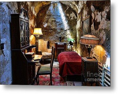 Al Capone's Cell - Scarface - Eastern State Penitentiary Metal Print by Paul Ward