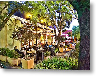 Metal Print featuring the photograph Al Fresco Dining by Chuck Staley
