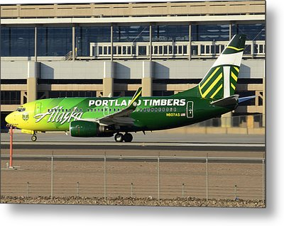 Alaska Boeing 737-790 N607as Phoenix Sky Harbor December 27 2015 Metal Print by Brian Lockett